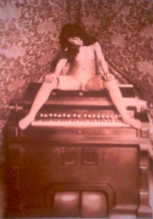 Pierre Louÿs, Nude Girl on Harmonium , c. 1895